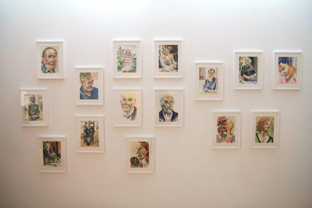"""Chad Keveny, """"So Saint-Cirq ! #1"""". Portraits à l'aquarelle et témoignages sonores. Vue du Parcours d'art contemporain, centre d'art contemporain, Cajarc. Courtesy de l'artiste. Photographie A. Astruc © 2013"""