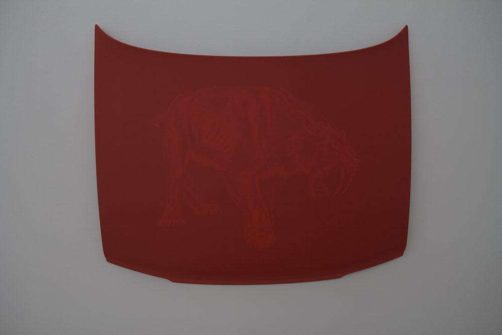 """Natacha Mercier. """"The Power"""", 2013. Acrylique sur capot d'automobile, 118 x 146 cm. Vue du Parcours d'art contemporain, centre d'art contemporain, Cajarc. Courtesy de l'artiste. Photographie A. Astruc © 2013."""