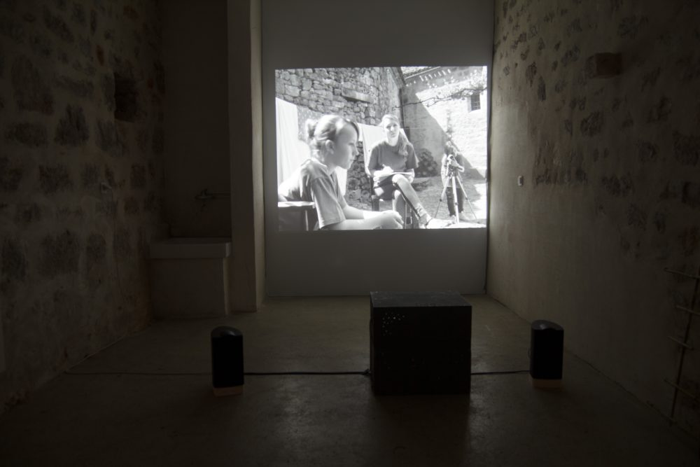"""Daniel Perrier. """"Les Autres"""", 2013. Vidéo Vue du Parcours d'art contemporain, atelier des Maisons Daura, Saint-Cirq-Lapopie. Courtesy de l'artiste. Photographie A. Astruc © 2013"""