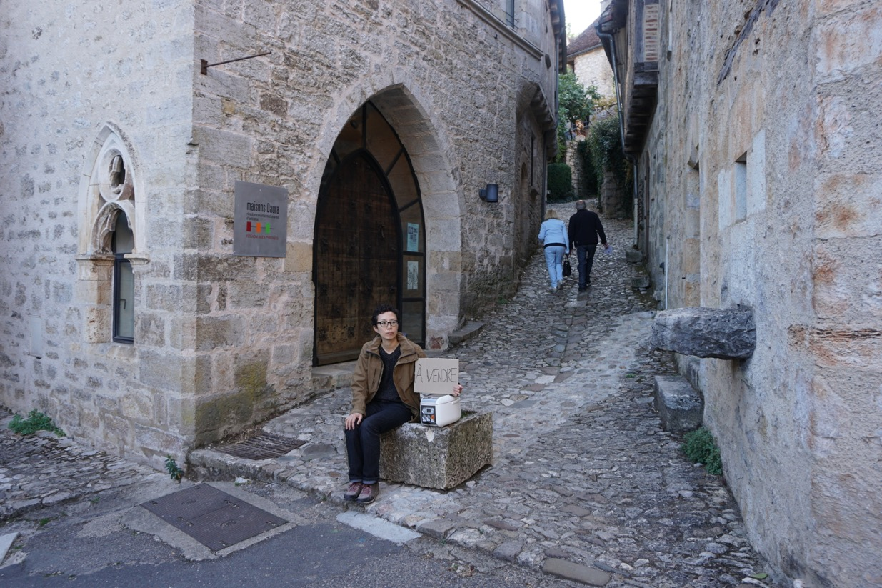 Yuni HONG, performance, Maisons Daura, Saint-Cirq-Lapopie