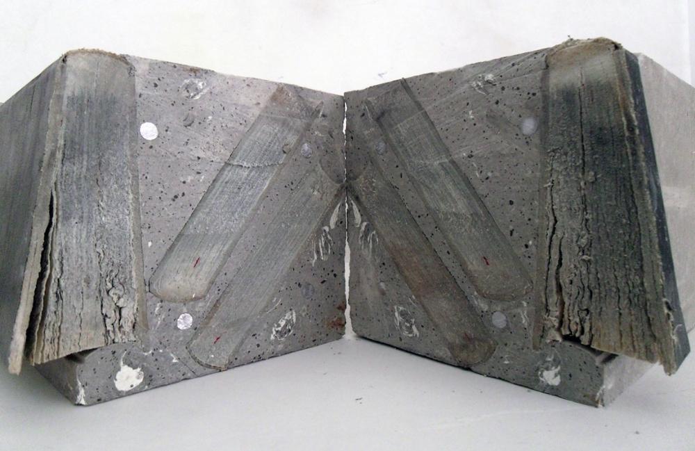 Mohssin Harraki — Bibliothèque, 2011. Tirage photographique, 100 x 156 cm. Courtoisie de l'artiste et de la Galerie Imane Farès, Paris.