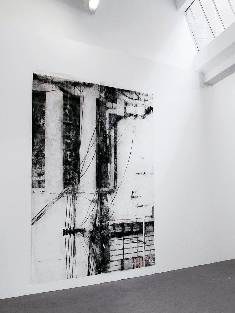 """Laura Rives, """"écorce"""". Digigraphie sur papier mat encollé au mur puis poncé 300 x 210 cm. Vue d'installation, isdaT, Toulouse, 2014."""