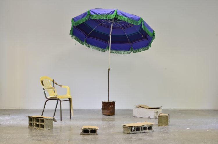 Marion Mounic Teh le bled  Mixed média, Vue de l'exposition L'internationale, Haute école des arts du Rhin, Strasbourg, 2017  courtesy de l'artiste