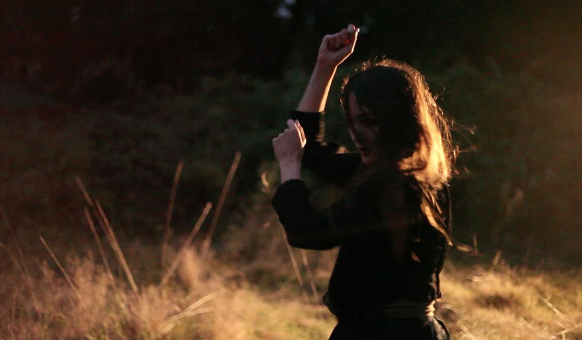 Tatiana Karl Pez, Circle Dance sous la Luna, Setu Festival Elliant 2018 ©Jean Froid Le Bon
