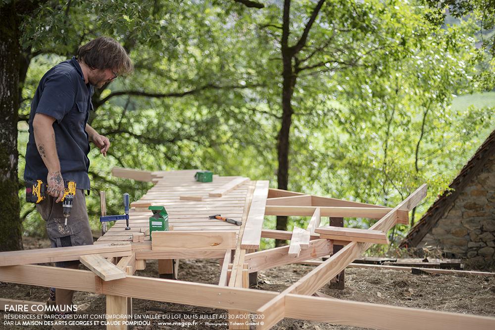 Aire de Pique-nique en construction, Pascal Lazarus