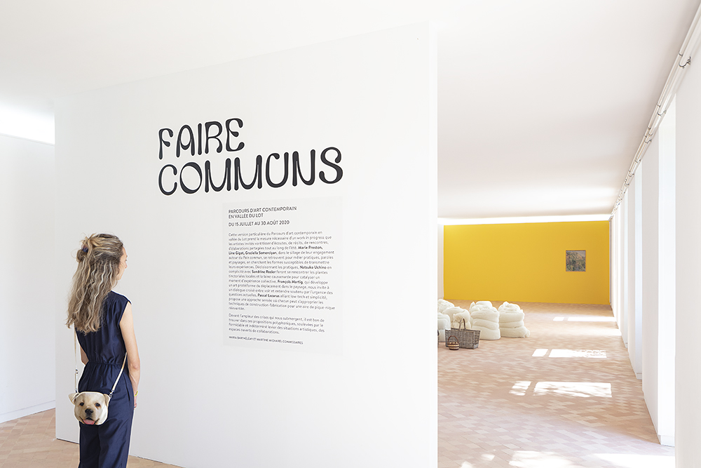 Vue de l'exposition FAIRE COMMUNS, MAGCP, 2020. Photo © Yohann Gozard.